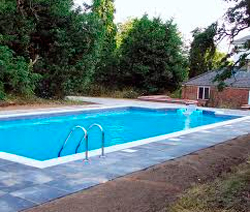 Swimming Pool Services Image 1